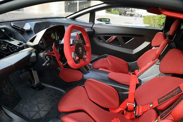 Lamborghini-Sesto-Elemento-3