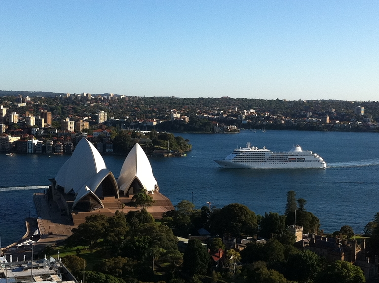 Silver Whisper Arriving in Sydney